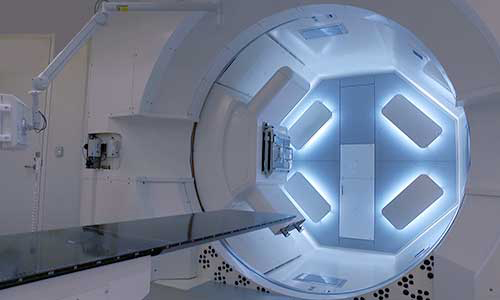 Proton therapy machine