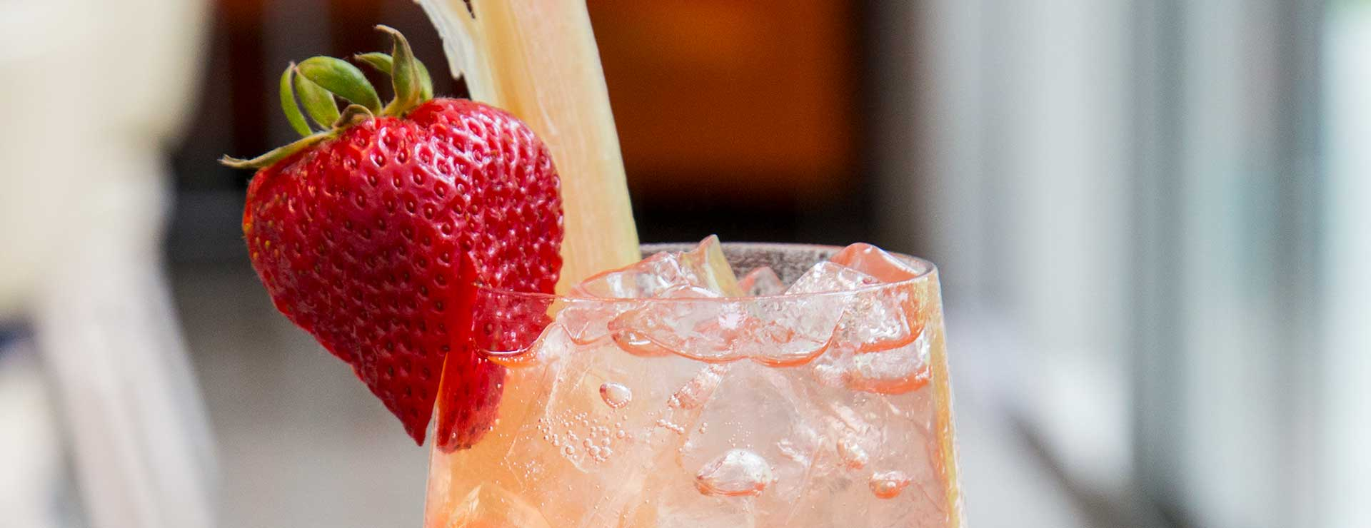 strawberry spritzer in glass