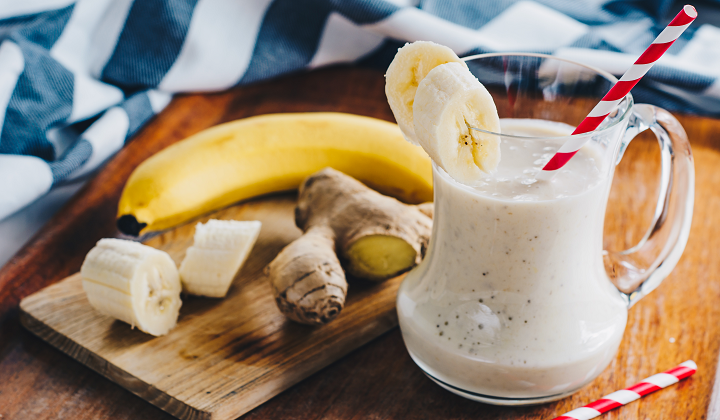 Smoothie with banana and ginger