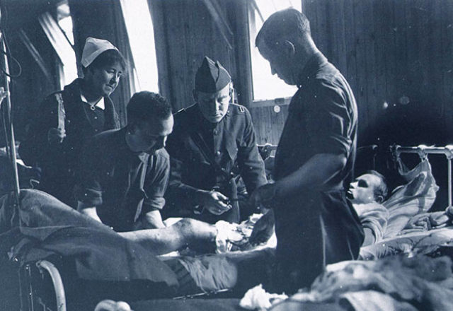 soldiers in ww1 in a hospital