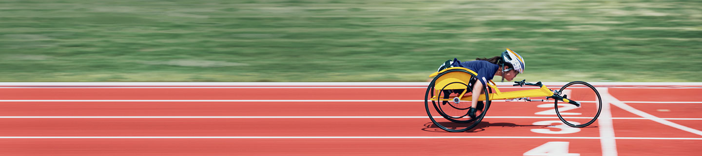 a para athlete races on a track
