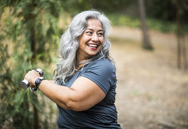heart disease in women - mature woman working out