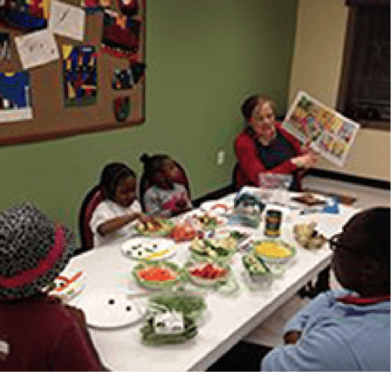 baltimore children eating healthy lunches