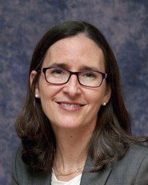 Headshot of Maureen O'Donnell-DeBritz