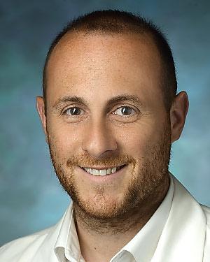 Headshot of Eric Biondi