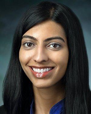 Headshot of Yasmin Akhtar