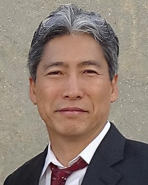 Headshot of Masanobu Komatsu