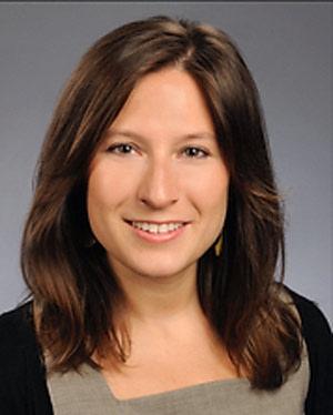 Headshot of Elisa Helen Ignatius