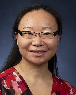 Headshot of Lei Peng