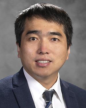 Headshot of Jianhua Xiong