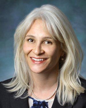 Headshot of Esen Karamursel Akpek