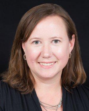 Headshot of Laura Kathleen Hummers