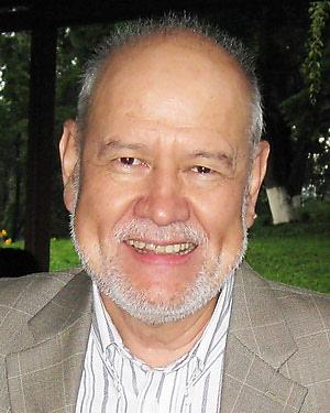 Headshot of Benjamin Caballero