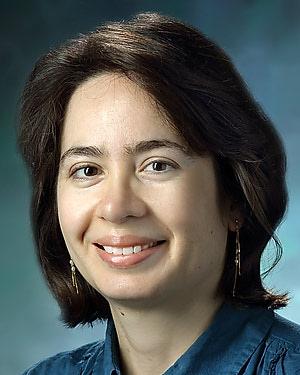 Headshot of Andreia Vasconcellos Faria