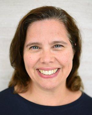 Headshot of Sonya Jill Lecuona