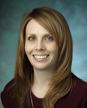 Headshot of Kelly Elaine Dunn