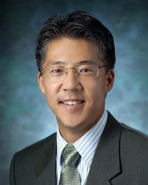 Headshot of Ian Suk