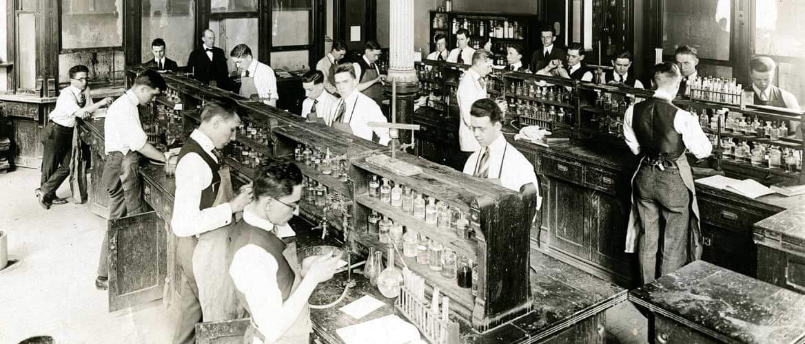 Johns Hopkins chemistry lab 1910