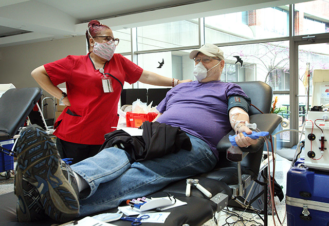Technician and blood donor