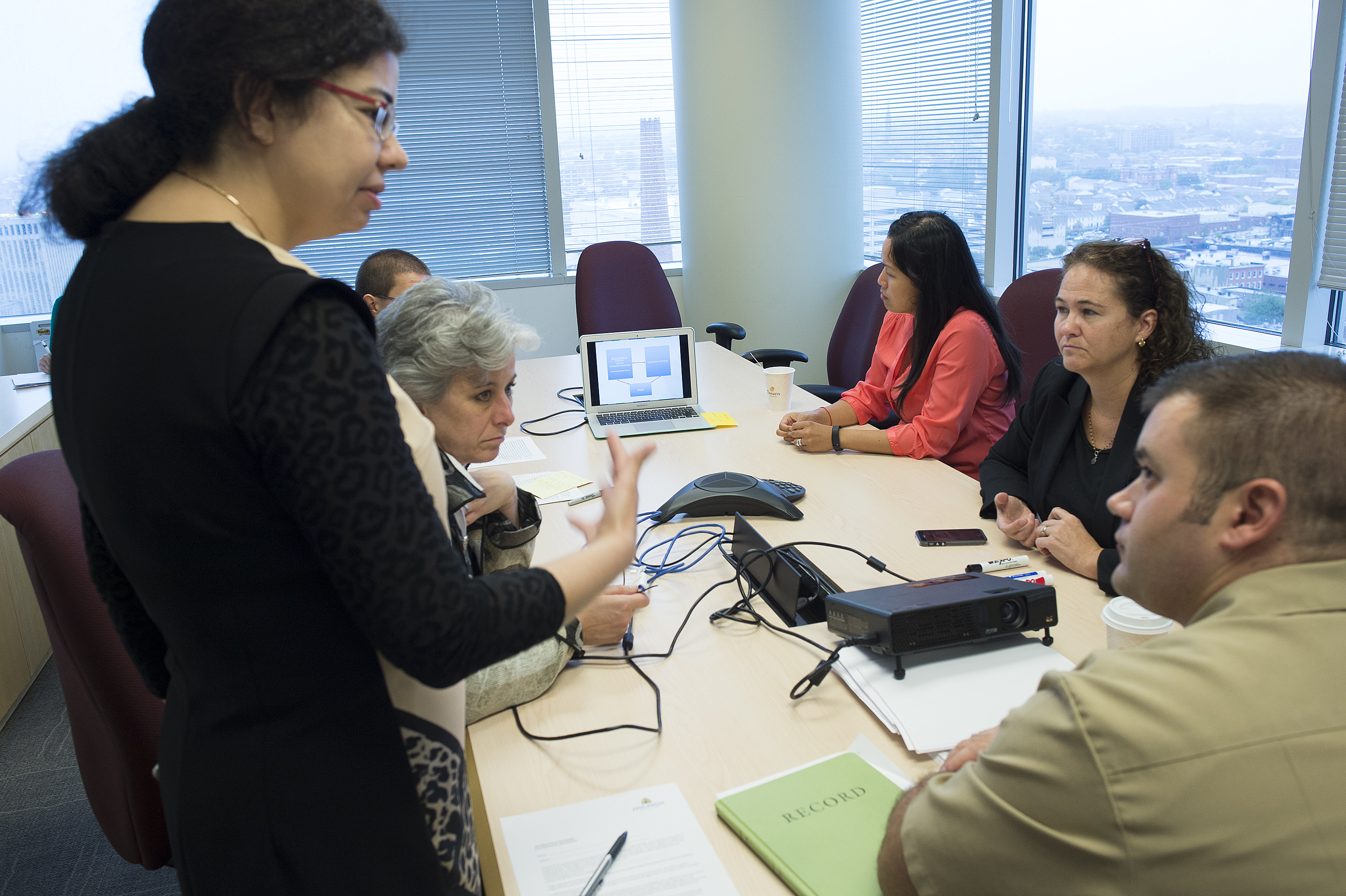 Ayse Gurses at a group discussion