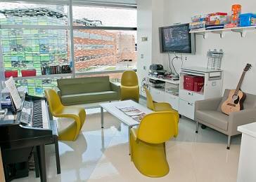 Pediatric Oncology Child Life - Johns Hopkins Kimmel Cancer