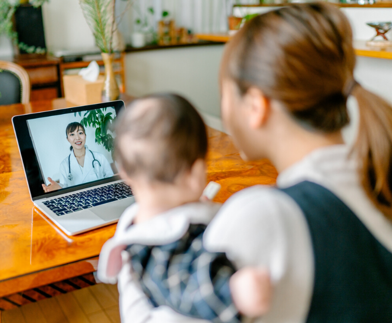mom and baby using telemedicine
