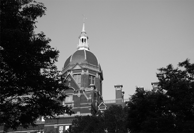 johns hopkins billings dome in black and white